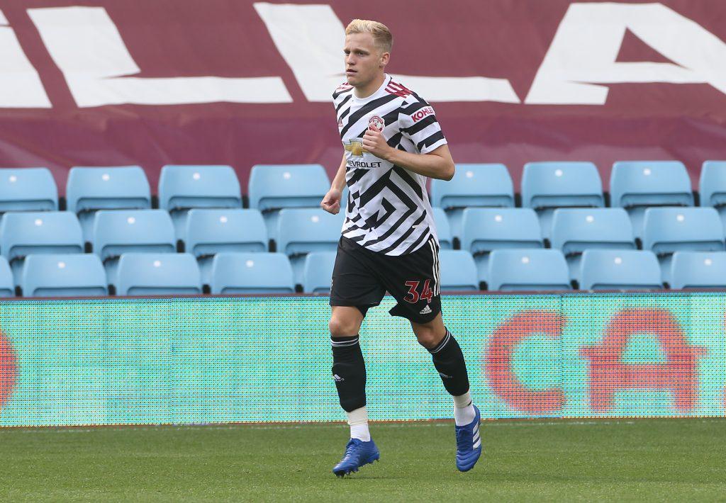 Finger of blame for Donny van de Beek's struggles pointed at Man United teammates